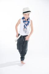 Tanzender Junge