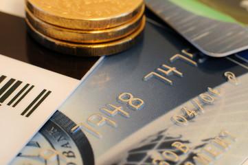 Банковские карты и монеты