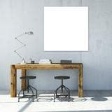 Bild an Wand über Schreibtisch