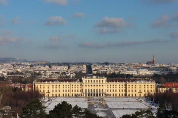 Blick von Gloriette auf Schloss Schönbrunn