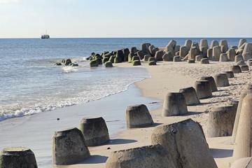 Tetrapoden zum Küstenschutz an der Odde auf Sylt