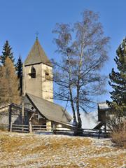 Trentino Dolomiti chiesa di Sant'Elena  a Nuova Ponente