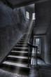 Leinwanddruck Bild - Altes Treppenhaus