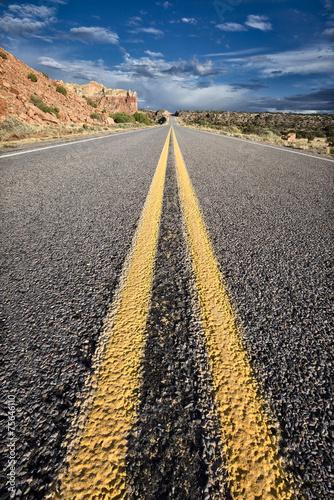 pustynna-droga-do-nikad
