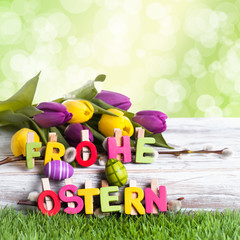 Frohe Ostern auf Birke Hintergrund grün Bokeh