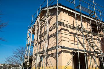 家の建設現場