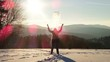 canvas print picture - Frau in den Bergen im Winter