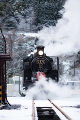冬の蒸気機関車