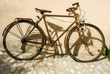 Vieux vélo rouillé