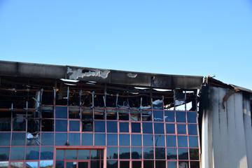 edificio incendiado