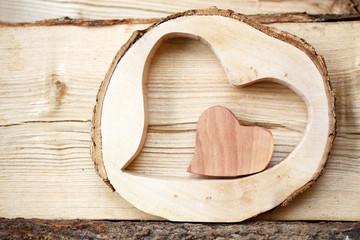 Holzherzen zum Valentinstag