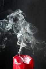 Rauch von ausgeblasener Kerze