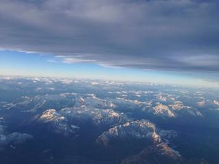 nuvolone sopra le alpi
