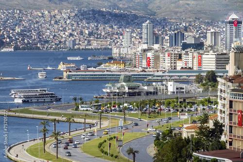 Leinwandbild Motiv Fährhafen Izmir