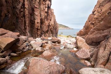 river flows into  Barents Sea