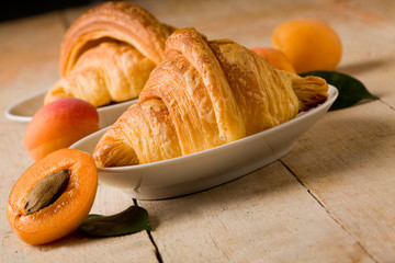 Croissants with apricot marmalade