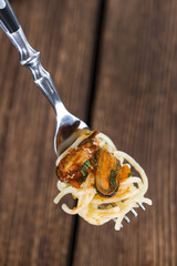 Spaghetti with Mussels on a fork