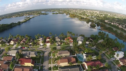 Suburban lakefront homes in FLorida aerial view