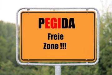 Ein Ortsschild Pegida freie Zone