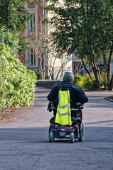 handicapé sur fauteuil roulant