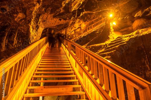 Underground staircase - 75750515