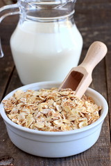 Oat, barley and wheat flakes