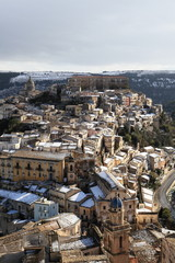 Scorcio di Ragusa Ibla con la neve.
