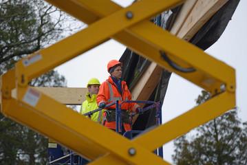 builders on top