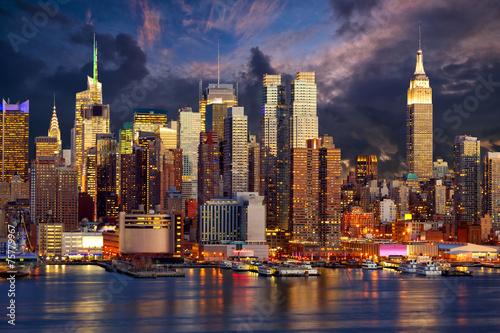 Manhattan Midtown skyline at twilight, New York - 75779967