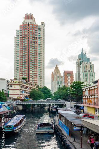 Fotobehang Kanaal バンコクの運河 遠景