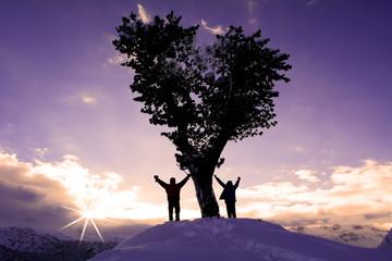 zirvede tek ağaç&zirve başarısı