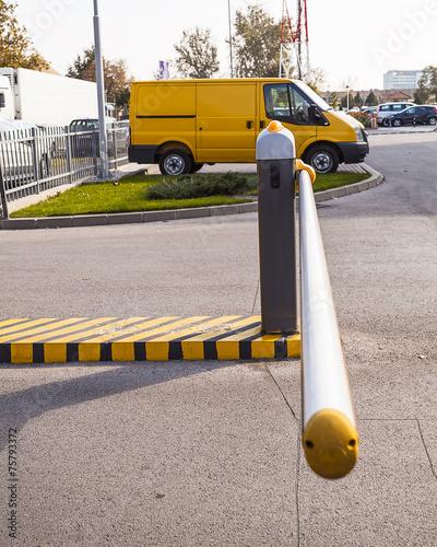 Leinwanddruck Bild Parking barrier