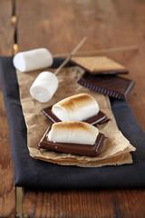 s'mores, marshmallows und schokokekse