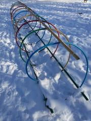 Детский игровой комплекс лабиринт зимой