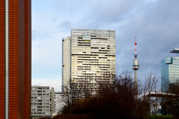 Donaucity mit Donauturm