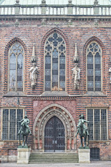 bremen city hall statue