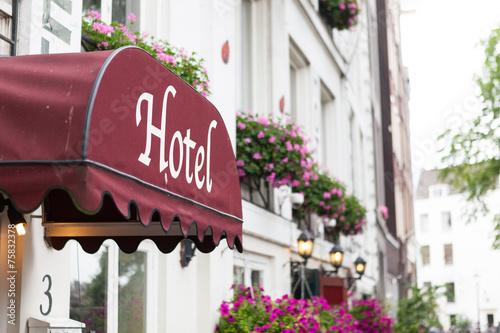 Hotel - 75832378