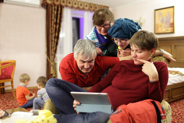 Family calling through tablet PC