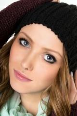 Portrait einer Frau mit Mütze