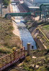 Canal De Desagüe En Una Zona Industrial