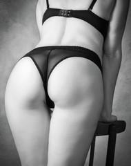 Женские спина и ягодицы. Ретро