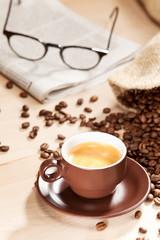 Kaffeegenuss mit klassischem Lesestoff