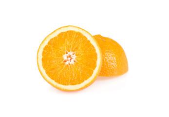 Апельсин на белом фоне