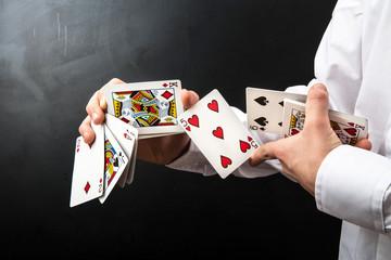 gioco di prestigio con le carte