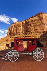 Historische Postkutsche am Monument Valley, USA