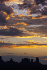 Sonnenaufgang im Monument Valley, USA