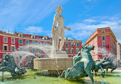 Fountain of the Sun in Nice, France. - 75889518