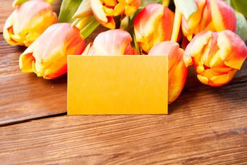 Tulpen mit Grußkarte