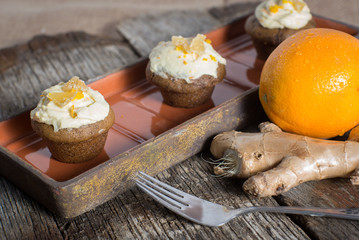Savory ginger cupcakes with cream cheese frosting