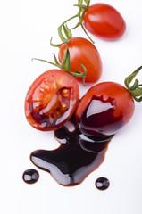 pomodorini con glassa di aceto balsamico